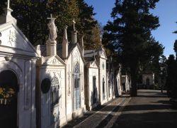 Ein beeindruckender europäischer Friedhof: Cemitério dos Prazeres in Lissabon